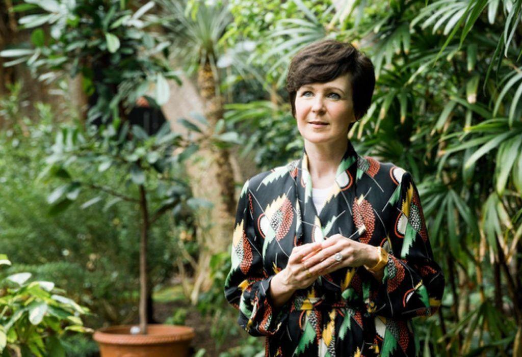 «Переживать одиночество мучительно тяжело, но для писателя это увлекательное путешествие»: интервью с писательницей Оливией Лэнг